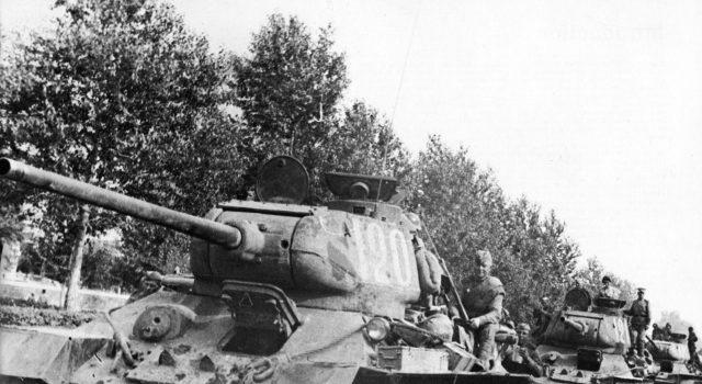 La ayuda del pueblo al Ejército Rojo en la Gran Guerra Patria 1304174853_1295546699_t-34-85-640x350