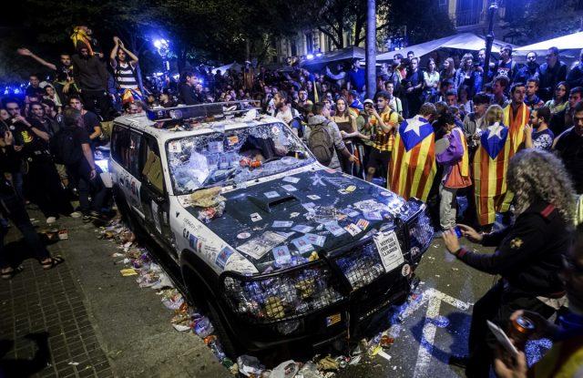 Pacifismo y democracia catalanas