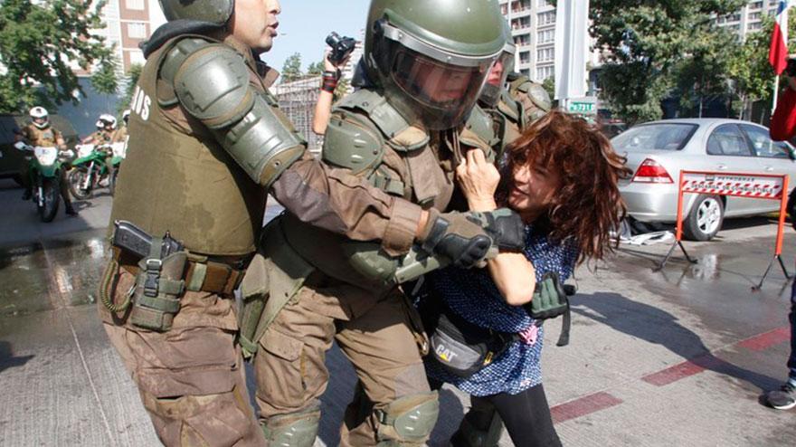 Image result for Santiago de Chile represion